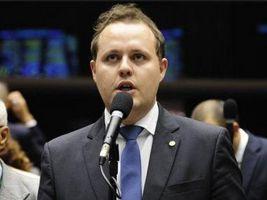 Covatti Filho apresenta projeto de lei sobre defensivos agrícolas