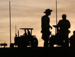 CNA defende isenção do emplacamento de tratores e máquinas agrícolas