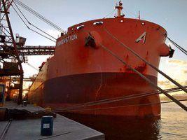 Com novo sistema de atracação, Porto reduz tempo de carregamento de grãos